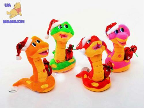 Змея в новогоднем колпаке
