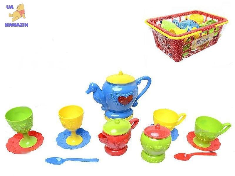 Набор посуды в корзинке