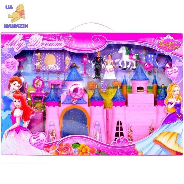Замок с мебелью, куклами, каретой
