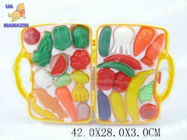Фрукты/овощи в чемодане