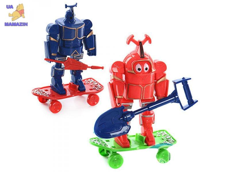 Фигурка робот со скейтом