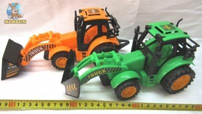 Трактор - игрушечная машинка