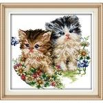 Вышивка крестиком крестиком. Котята и цветы