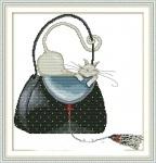 Вышивка крестиком Кошка в сумке 2