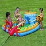 Надувной игровой центр-бассейн Крепость с катапультой Bestway